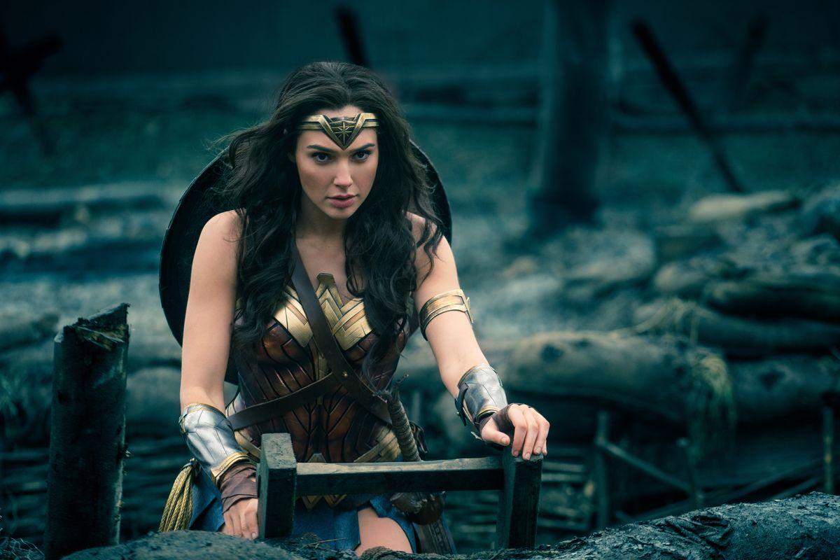 Wonderwomantrenches_0
